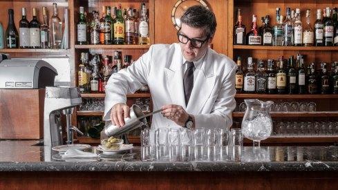 slide-3-harrys-bar-venice-cipriani-bellini-history-cocktail-recipe