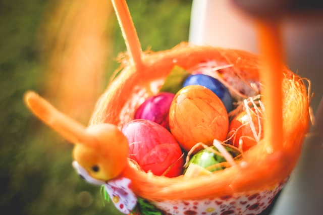 colorful-easter-eggs-picjumbo-com (1)